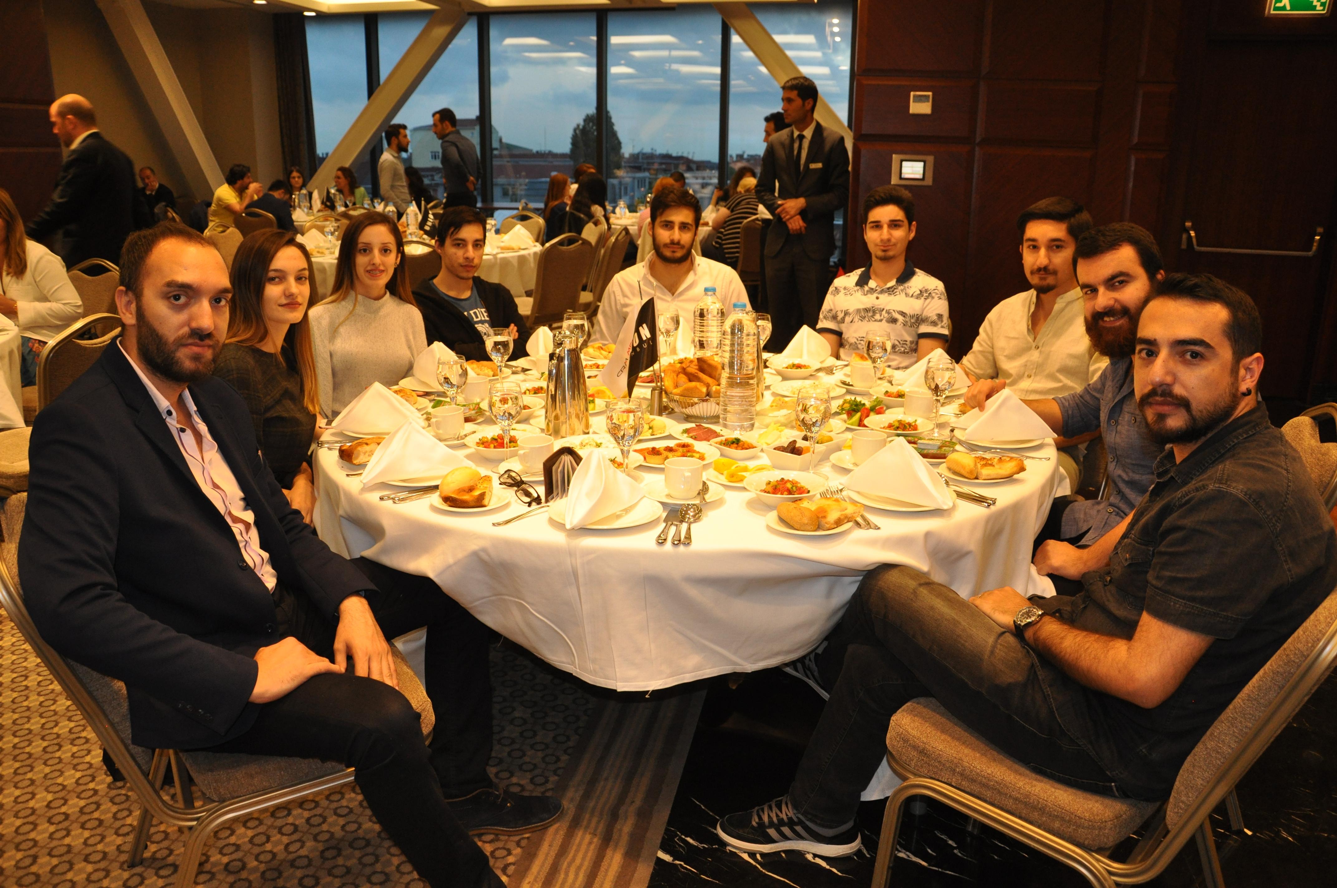 crm medya çalışanları iftar yemeğinde (2)