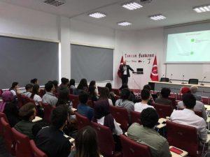 Ramazan Becer Kastamonu Üniversitesinde Turizmin Dijital Geleceği hakkında sunum yaptı