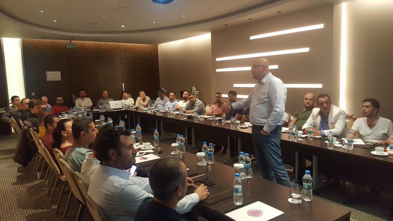 Ömer Güran'ın, Antalya Bilişim İşverenleri üyelerine yönelik bilgilendirme toplantısı verimli olarak değerlendirdi
