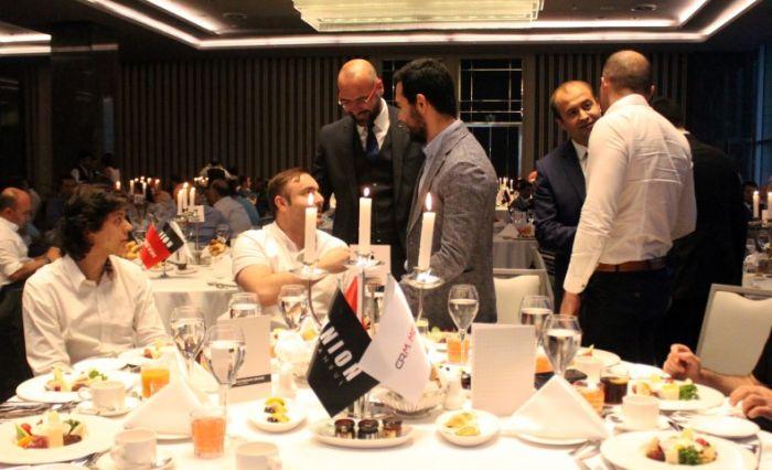 CRM Medya, iftar yemeğinde sektörleri buluşturdu.